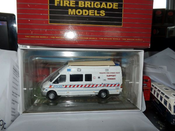 Fire Brigade Models 105 1/43 O SCale Mercedes Sprinter Van Hampshire Police